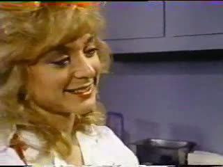 Nina hartley treats ασθενής με μουνί