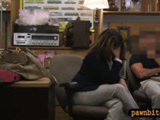 Foxy pechugona mujer follada en la cuarto trasero para plane ticket