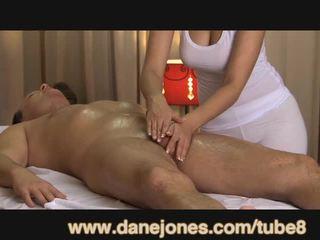 Danejones bela mamalhuda masseuse takes cuidado de seu orgasmo