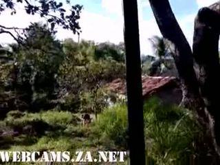 29 brazīlieši taking duša uz the ferma