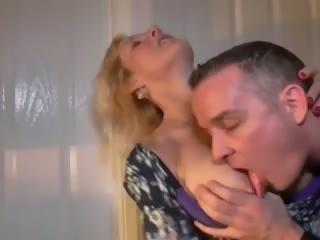 Māmiņa ir getting tas par ar karstās jungschwanz: bezmaksas porno 25
