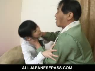 Minami asaka heerlijk aziatisch pop plays met haar groot vegetables