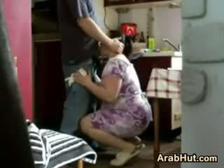 Thick শৌখিন arab গাল gets হার্ডকোর