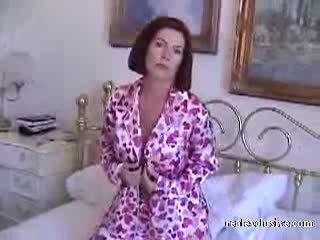 Barbara 53 years গোড়ার দিকে সকাল যৌন মধ্যে pajamas ভিডিও