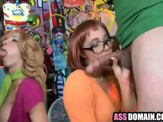 Scooby doo parodie booties jada stevens en kelly welch_1.6