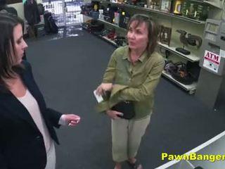 Cheeky दुकान owner bangs customer's पुसी