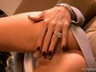 Kelly madison 장난감 그녀의 moist 섹시한 에 그만큼 소파