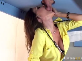 Brazzers - Hot doctor Jessica Jaymes milks cock - Porn Video 721