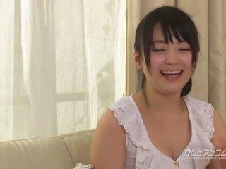 Cutest japonez ras fata tsuna kimura cu six mâini