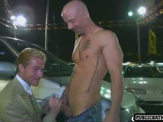 Geil friends neuken in auto rental
