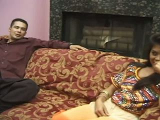 Fierbinte presentation de la foarte draguta indian adolescenta