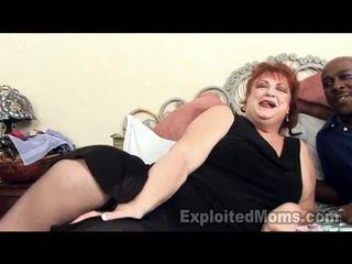 Grootmoeder receives bawdy cleft pounded door groot zwart lul