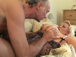 Geil bbw in haar sexy ondergoed gets humped door ouder guy