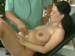 Бременни съпруга проучване и прецака от на лекар: безплатно порно 61