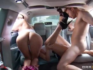 Phoenix marie, diamond kitty - público a foder em o stretch limo