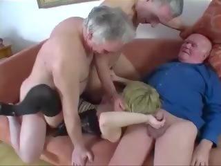 เป็นร่วมเพศ, หนุ่ม, กลุ่มเพศ