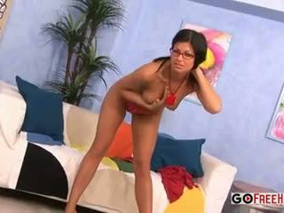 Sexy gagica lucie theodorova slurps penis wearing ochelari