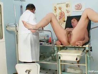 Milf harig poesje gyno examination in ziekenhuis