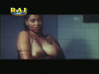 Mallu erotisks ainas kompilācija [courtesy:http://spicymasalavideos.blogspot.com]