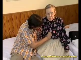 চিন্তা করেনা, grannies, পায়ুসংক্রান্ত