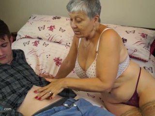 Old lady savana zajebal s študent sam bourne s agedlove