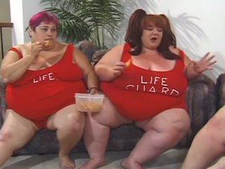 Porner premium: liels lielas skaistas sievietes lesbietes orgija ar toying the vāvere līdz katrs cits