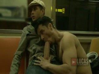 Mare penis sex oral!