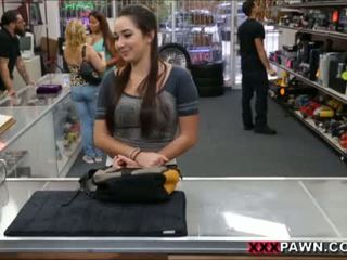 Karlee agrees থেকে যৌনসঙ্গম জন্য extra নগদ টাকা