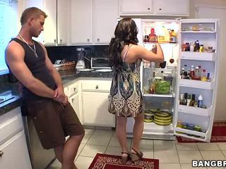 jævla, kjøkken, horny mom