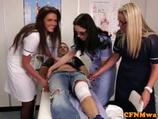 Nurses adele un emma tugging dzimumloceklis grūti