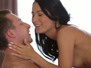 Romantic جنس leaves لها showered في بوضعه