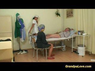 Vectēvs skaistule jāšanās the medmāsa