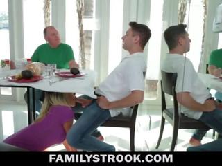 Styvmamma video- - bystiga steg momen fucks son