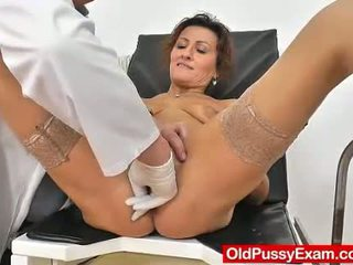 Ruda żona puss doktor rola grać