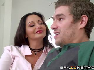 Ava Addams Shows the True Meaning of Being a Cougar.