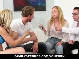 Familystrokes - šeima žaidimas naktis orgija