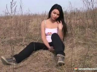 Onanering inside den grass