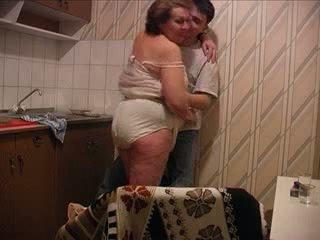 Putra fucks ibu di itu dapur