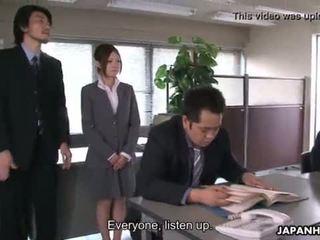 Yoshida getting пробити надолу за тя presentation