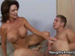 Hawt momma deauxma fills dia terangsang mulut dengan an fantastis thick meatpole
