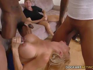 mutisks sekss, squirting, orgasmu