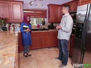 Bystiga arab tonårs gets en het cum filling