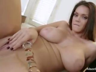 veľké prsia, masturbácia, alison tyler