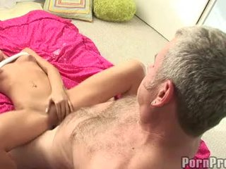 Lusty 小 boobed tanner mayes getting 彼女の bawdy cleft cracked バイ a モンスター jock