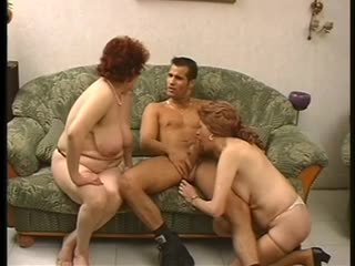 Two reif sluts fick ein younger hung hengst