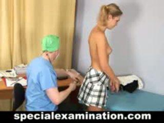 Hogeschool babe gets gyno examination