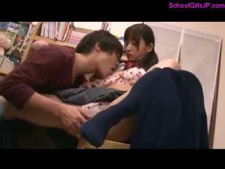 Mokinukė learning su guy getting jos putė