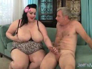 bruneta, veľké prsia, bbw