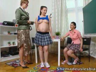 Ella hecho nosotros lesbianas - simona y su sexy classmate