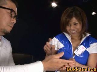 গর্জিয়াস ঈশ pine shizuku receives